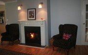 Female Only Home Stay Bed,  Breakfast,  Dinner & Laundry $35 per night